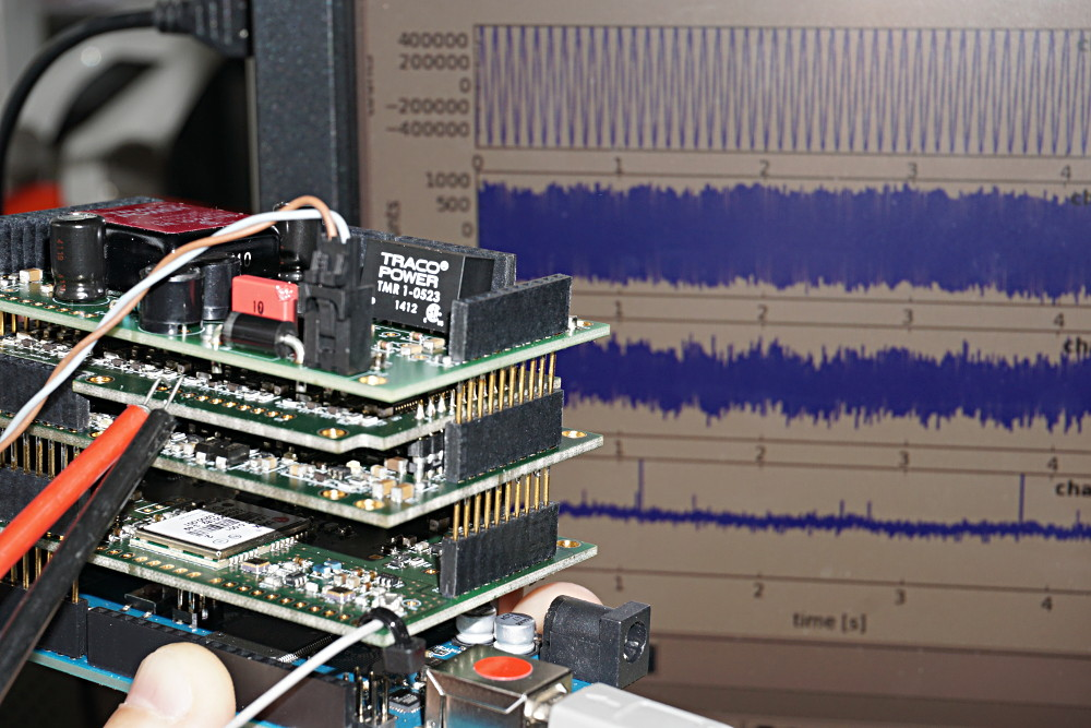 Testing the ruwai arduino stack with a frequency generator.